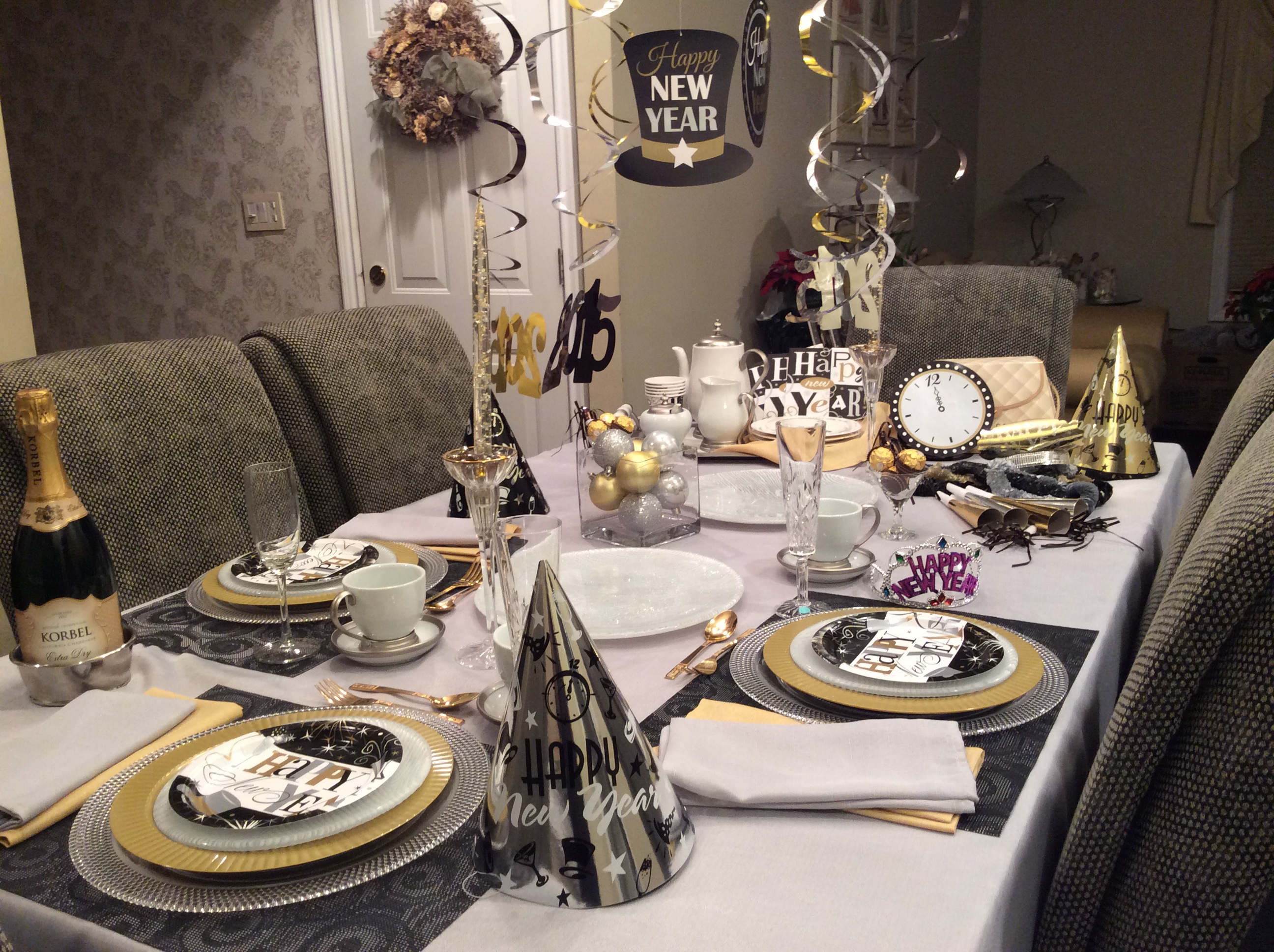 New year s eve dishing with diane - New year dinner table setting ...