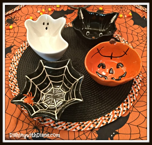 2015-10-26 10.04.22- HALLOWEEN CANDY DISHES