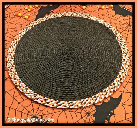 2015-10-26 10.59.24- HALLOWEEN PLACEMAT BORDER