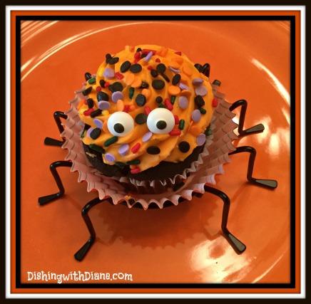 2015-10-27 12.24.28 - SPIDER CUPCAKES