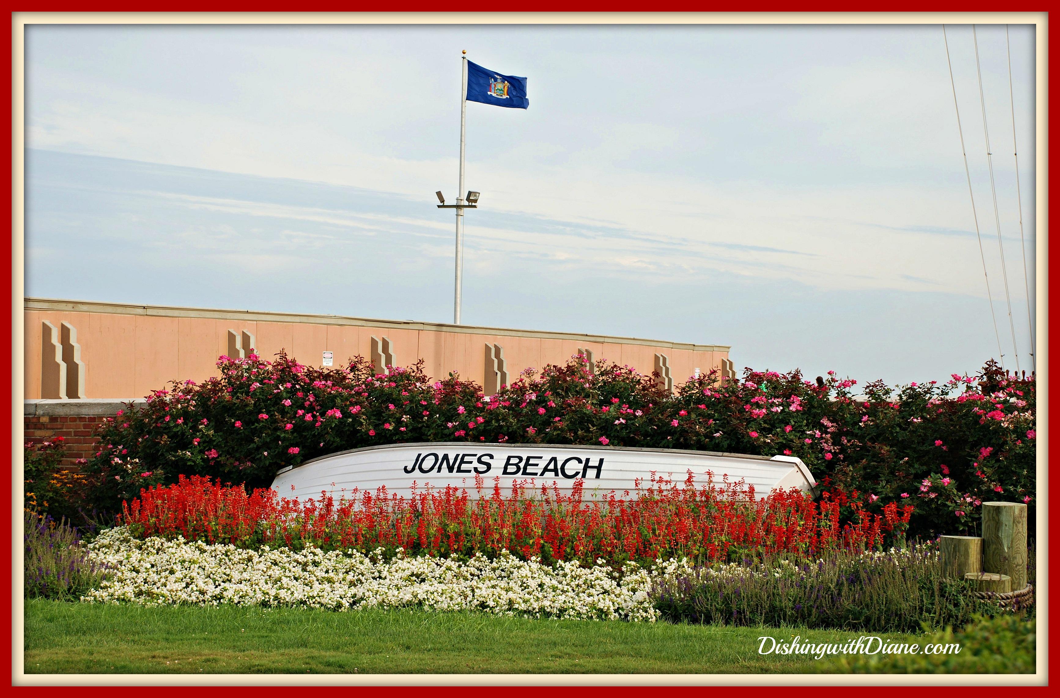 Late Aug 09 268- JONES BEACH INTRO