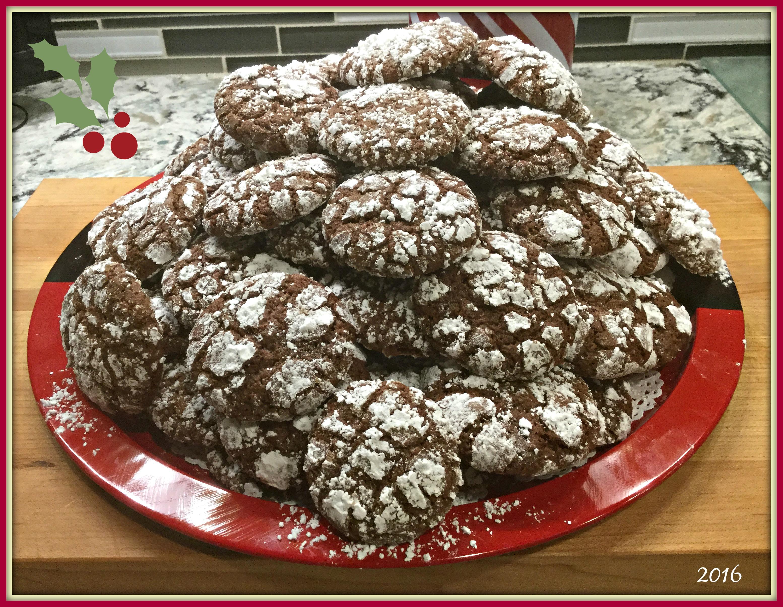 2016-12-10-20-05-33-chocolate-crinkle-cookies