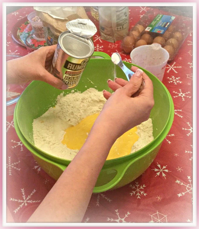 2016-12-19-10-04-50-baking-powder