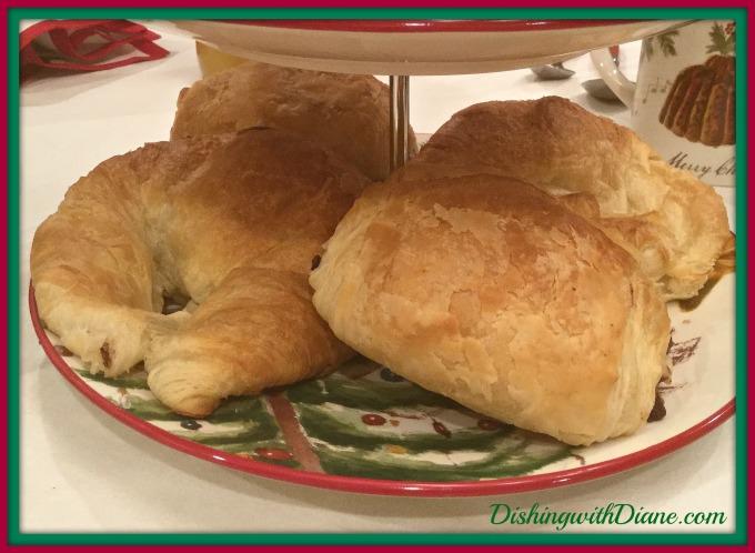 2016-12-26-22-27-53-croissants